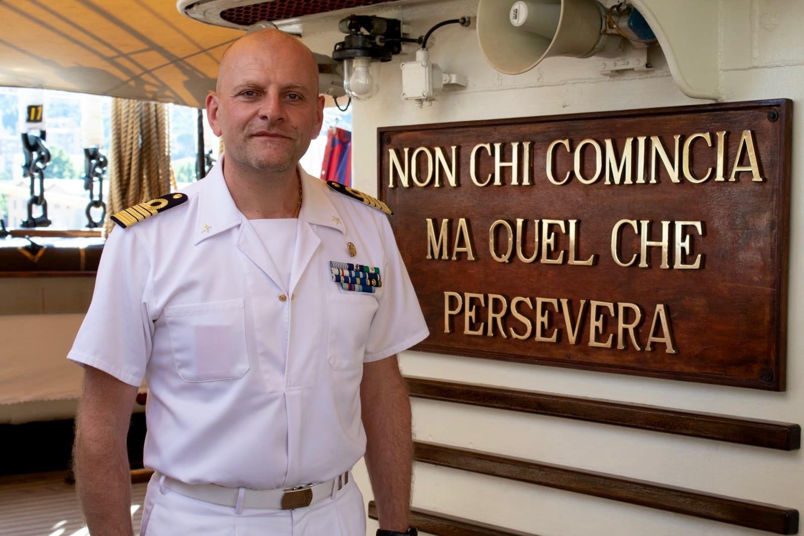 06cc0894721 ROBERTO RECCHIA, CAPITANO DI VASCELLO, È IL Comandante DELLA AMERIGO  Vespucci