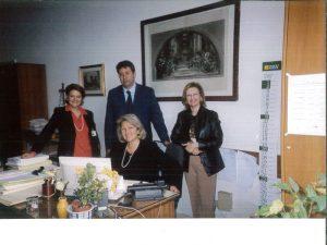 Marialice-al-MAE-2004-con-suoi-collaboratori