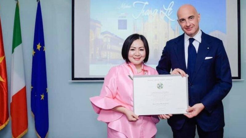 L'ordine della Stella d'Italia a Trang Le